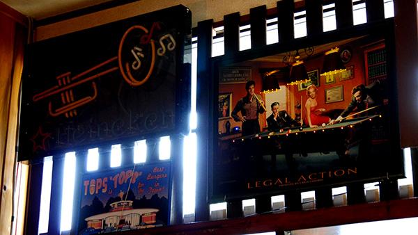 レコード喫茶森屋店内